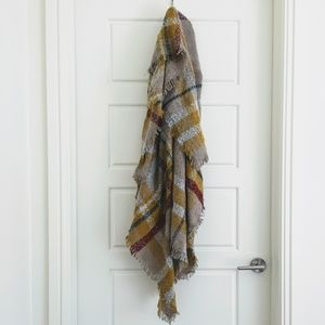 Accessories - Plaid Blanket Scarf in fuzzy nubby knit